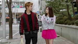 JB and Hye Sung walking